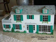 Vintage Marx Doll House this was like my old doll house Doll Houses, Play Houses, Toys Land, Tin House, All The Small Things, Miniature Rooms, Old Dolls, Metal Tins, Doll Crafts