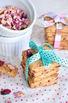 rose and cranberry cookies