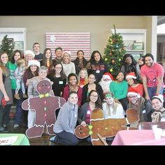 Middle Earth and UAlbany students volunteering at a Breakfast with Santa event. #UAlbany #volunteer #ComunityService #Santa