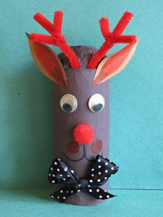 Simple Toilet Paper Roll Reindeer Decoration ~ an easy DIY Christmas craft for kids! #DotingonCrafts