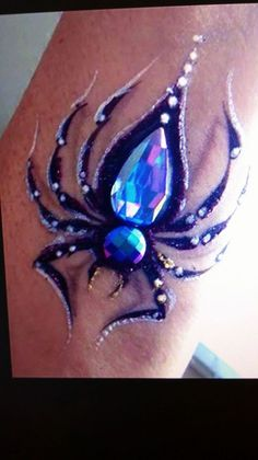 Spider Face Painting, Face Painting Tips, Face Painting Designs, Mime Face Paint, Face Paint Makeup, Animal Face Paintings, Animal Faces, Cheek Art, Hallowen Ideas