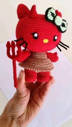 Crochet Toys by GenialCrochet Crochet Hello Kitty, Chat Hello Kitty, Hello Kitty Toys, Unique Crochet, Easy Crochet Patterns, Amigurumi Patterns, Chat Crochet, Crochet Dolls, Handmade Soft Toys