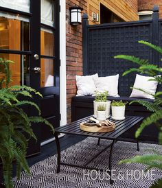 Best Outdoor Spaces: 20 Perfect Summer Patios Create a dreamy open-air retreat with these small balcony ideas. Home And Garden, Small Outdoor Spaces, Outdoor Decor, Home, Outdoor Space, Outside Living, Patio Decor, Porch And Balcony, Outdoor Design