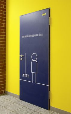 GRAPHIC DESIGN Interesting signage ~ is it a broom closet? Or a place to keep clean.....any ideas?