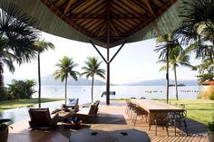 Unusual Tropical House Design - Leaf House in Brazil