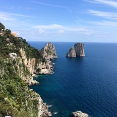 """""""#tbt to Capri, from a """"lookout"""". Look. #rethinkchurch #lent #40days"""""""
