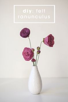 DIY ::: How to make felt ranunculus flowers and flower buds!