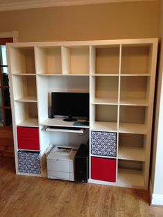 Fantastic Photographs Expedit Shelving & Computer Desk Hack Style The IKEA Kallax collection Storage furniture is an essential element of any home. They offer order Ikea Hacks, Kallax Hacks, Desk Hacks, Ikea Kallax, Spare Room Office, Expedit Regal, Apartment Needs, Bookshelf Desk, Best Ikea