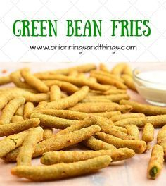These green bean fries are breaded and then deep-fried until golden and crisp; Dipped in ranch theyre addictingly delicious - Deep Fryer - Ideas of Deep Fryer Side Dish Recipes, Vegetable Recipes, New Recipes, Cooking Recipes, Recipies, Healthy Recipes, Churros, Deep Fried Green Beans, Deep Fryer Recipes