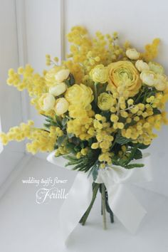 konohana || Yellow Ranunculus, Yellow Mimosa Flowers + Greenery Hand Tied Wedding Posy >>>>