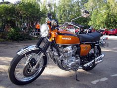 Bildergebnis für honda cb 750 four Cb750 Bobber, Honda Cb750, Honda Motorcycles, Japanese Motorcycle, Motorcycle Art, Vintage Bikes, Vintage Motorcycles, Honda Cycles, Bike Lift