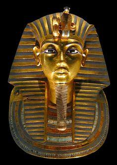 Der wohl allgemein bekannteste ägyptische Schatz ist diese Totenmaske...