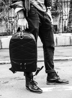 chivote 2face handcrafted leather backpacks are fully reversible