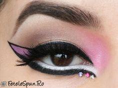 Pink cat-eye and rhinestones eye makeup by Lili