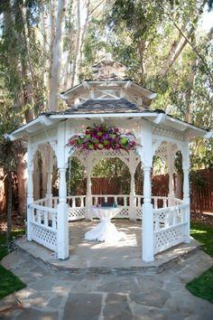 Twin Oaks House Gazebo.  I  beautiful place to get married.