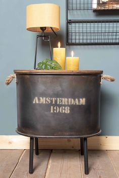 Stolky Amsterdam na lahome. Amsterdam, Planter Pots, Entertaining, House Styles, Furniture, Design, Home Decor, Deco, Homemade Home Decor