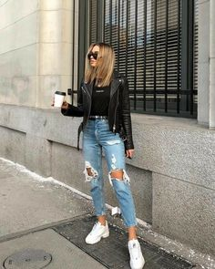 Charming and super summer outfits ideas for spring summer fashion trendy outfits 2019 Grunge Style Outfits, Mode Outfits, Cute Casual Outfits, Jean Outfits, Comfortable Outfits, Casual Jeans, Dress Casual, Denim Jeans, Cool Girl Outfits