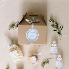Best wedding favors for guests diy receptions welcome bags ideas Soap Wedding Favors, Wedding Gift Bags, Wedding Favors For Guests, Wedding Boxes, Gifts For Wedding Party, Our Wedding, Wedding Invitations, Wedding Souvenir, Wedding Venues