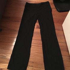 The Limited Cassidy Fit Black Pants Black dress pants. Side zipper. Small back pockets. Smoke Free Home No trades please.  Like to make an offer?.. Use the offer button!   The Limited Pants Trousers