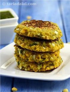 Diabetic-friendly ingredients like chana dal and cabbage are combined in these elegant tikkis. Being cooked in minimal oil these are light and guaranteed to keep you going till lunch or dinner.