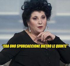 """""""Era uno sporcaccione dietro le quinte"""". Marisa Laurito, i dettagli sul grande attore: """"Ecco che mi ha fatto una volta"""""""