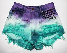 I'm not a fan of high waist and wouldn't wear something that short but I love the dye and studs (Diy Ropa Punk) Cute Teen Outfits, Punk Outfits, Hippie Outfits, Mode Outfits, Outfits For Teens, Pretty Outfits, Summer Outfits, Girl Outfits, Diy Shorts