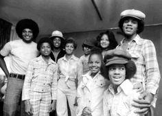 A Jackson Family moment with Jackie, Randy, Jermaine, Rebbie, Tito, Janet, La Toya, Marlon, and Michael Jackson. #TeamJacksonFamily