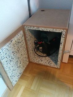 17 Ideas on How to Build a Soundproof Box for Air Compressor Garage Organization Tips, Diy Garage Storage, Tool Storage, Garage Tools, Garage Shop, Workshop Storage, Garage Workshop, Woodworking Workshop, Woodworking Projects