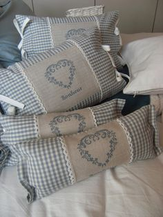 Diy pillow covers - Looking For DIY Pillow Cover Ideas – Diy pillow covers Diy Pillow Covers, Decorative Pillow Covers, Cushion Covers, Sewing Pillows, Diy Pillows, Throw Pillows, Cross Stitch Finishing, Cross Stitch Heart, Soft Furnishings