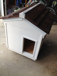 Lighted/Heated dog house
