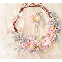 いいね!220件、コメント1件 ― MilkyFlower* yoshikoさん(@milkyflower_wedding)のInstagramアカウント: 「* Wreath bouquet○** * やさしいピンクとレモンイエローmix * * 小花でふわっふわぁに♡ とってもおしゃれな花嫁さまからのオーダーでした^^ * * * お久しぶりです!…」