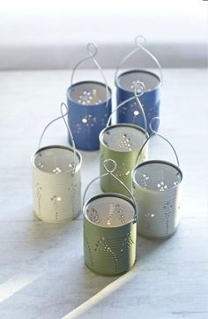 Goodness do I ever love DIY! Making Lights: DIY Tin Can Lanterns - Craftfoxes Recycled Tin Cans, Recycled Crafts, Tin Can Crafts, Fun Crafts, Diy Projects To Try, Craft Projects, Recycling Projects, Outdoor Projects, Tin Can Lanterns