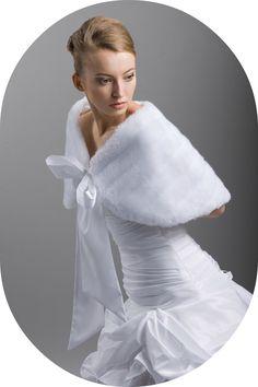 Winterstola für die Braut / Stola in Nerzoptik zum Brautkleid / Warme Stola für den Winter aus Nerzimitat / Winterstola zum Brautkleid / Fellstola für die Braut