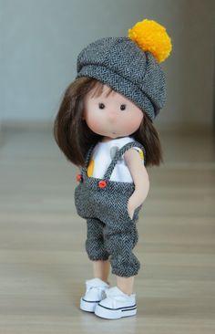 Baby Waldorf Doll by Waldorfdollshop Pretty Dolls, Cute Dolls, Beautiful Dolls, Doll Crafts, Diy Doll, Homemade Dolls, Sewing Dolls, Doll Tutorial, Waldorf Dolls