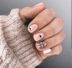 Get ready for some real art, on your nails though - Picasso nails and abstract manicure are taking over social media. Take a look at these chic manicures! Minimalist Nails, Nude Nails, Gel Nails, White Nails, White Nail Polish, Toenails, Gel Polish, Picasso Nails, Nail Art Vernis