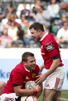 CJ Stander, Felix Jones, Try Celebrations Munster Rugby, Irish Rugby, Rugby Men, Rugby Players, Butt Workout, Really Funny, Celebrations, Bunny, Baseball Cards