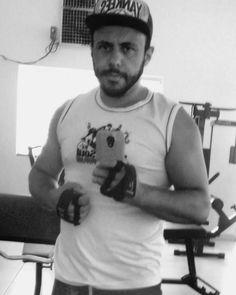 Bora treinar !!! Vamo que vamo  que Deus me guie mesmo que tudo esteja indo ao oposto  não vou me abalar !!#tercafeira #foconoobjetivo #ficagrandeporra #fitness #gyn #deusnocomando #treino #vamoquevamo #vouvencer #goiano #anapolisgo by brunnosoares_silva http://ift.tt/1Txtlv0