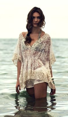 Gorgeous Ivory Boho Crochet Lace Kimono Sleeve Top. Summer Fashion. Summer Outfit. Bohemian Style