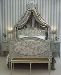 Elysian Middle Bed - traditional - beds - leporello.co.uk