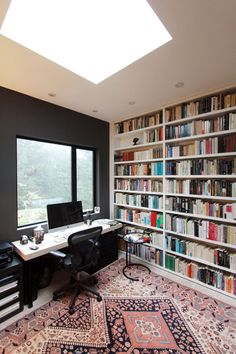 Home Library Design, Home Room Design, House Design, Small Home Libraries, Small Home Offices, Home Office Setup, Home Office Furniture, Beautiful Interior Design, Office Interior Design