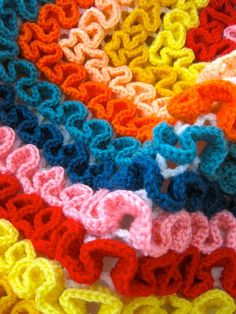 Squiggle crocheting....this looks like fun