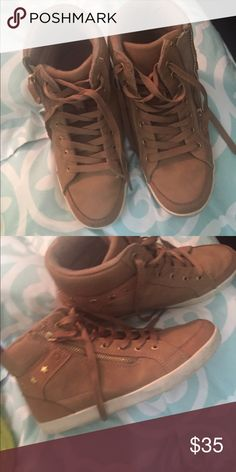 Very nice Zara snickers with style! Very nice Sneakers in a very good condition and good price! Size 38, Camel color Zara Shoes Sneakers