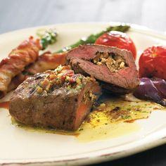 Bliv inspireret af vores store samling af opskrifter – både til aftensmad, forret, frokost og bagværk. Alle opskrifter er med bacon som ingrediens. Find inspiration til hverdag og fest.