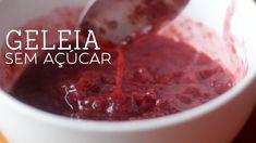No #VamosPraCozinha dessa semana, Isadora Becker ensina a preparar uma receita de Geleia de Morango sem açúcar super saborosa e fácil de fazer em casa.