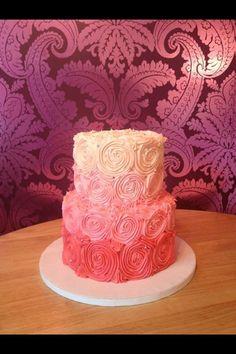 bolo de aniversario rosao