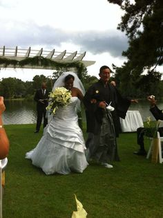 AMBW wedding cute ! The husband in traditional attire so cool