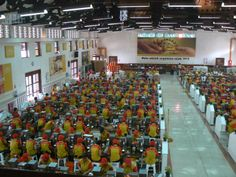 sampoerna factory workers #surabaya #indonesia #asia #travel #travelblogger #travelblog #traveling #worldtraveler #WBONtravels
