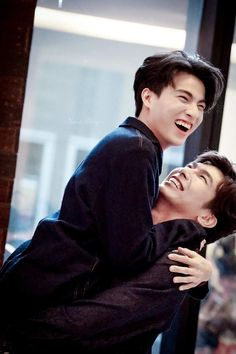 Their first meeting was kinda akward. But thats what lead them to th… Cute Actors, Handsome Actors, Drama Series, Tv Series, Hot Korean Guys, Drama Fever, Cute Gay Couples, Thai Drama, E Type