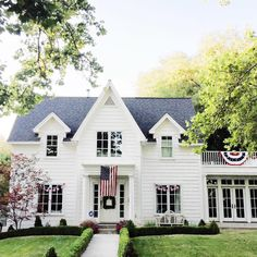 White houses with perfectly manicured lawns and American flags will always be my favorite.  #studiomcgeeneighbors