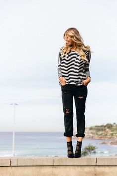 Stripes and black boyfriend jeans